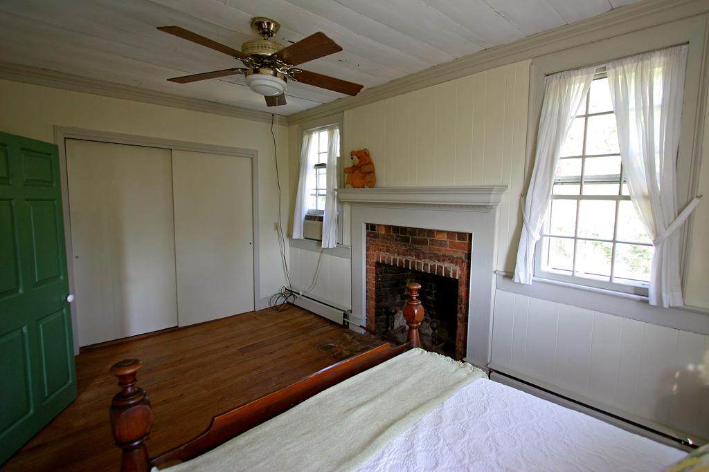 east bed closet
