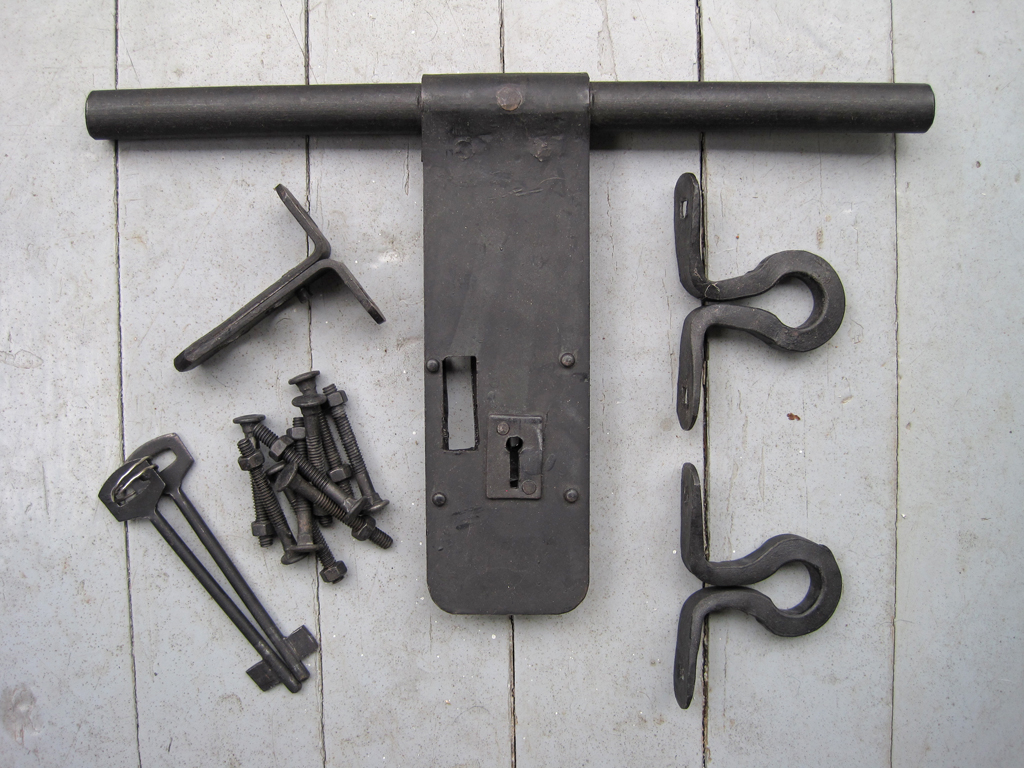 iron aldrop latch